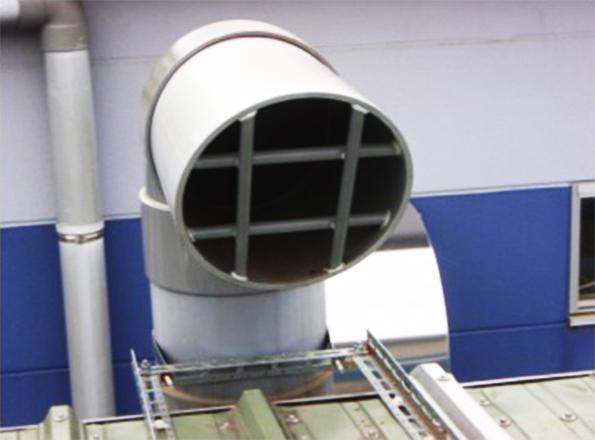 配管サポート側に向いた排気口